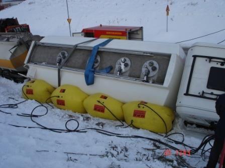 Tankbil lastad med bränsle som vickat inne på SSAB i Borlänge.
